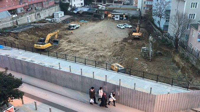 The first digging of the car parked in Gebzede 7