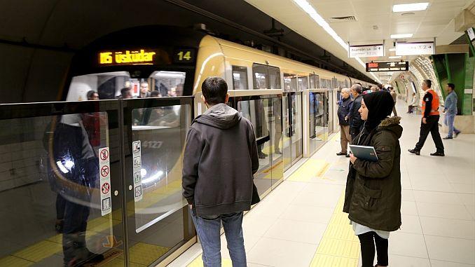 turkiyenin ilk surucusuz metrosu 1 yasinda