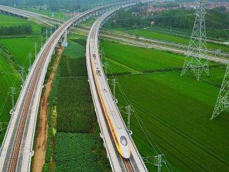الجن يطور 350 كم مسرعة قطار السيارات في الساعة