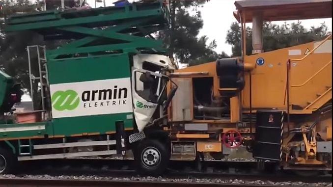 istanbuldaki tren kazasinin sebebi yine sinyalizasyon mu
