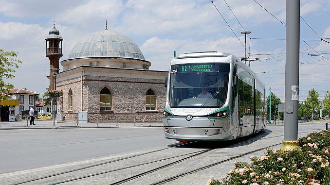 Konyalilar pozornost na noćni tramvaj usluga autobusom 1
