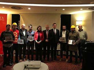 Το Sodev τμήμα ανθρωπίνων δικαιωμάτων δόθηκε στους εργαζόμενους στο αεροδρόμιο 3