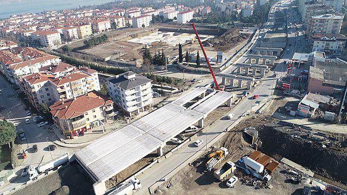 Golcuk Yuzbasilar Kavsaginin Kinesi స్థానంలో ఉంచండి