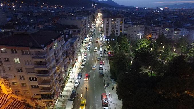 moderne beleuchtung in izmir street