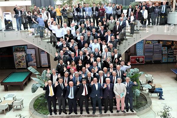 arikaninarbeiders vieren de dag van de wereldrasp