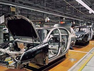 Локомотив експорту знизився в автомобільних субатах