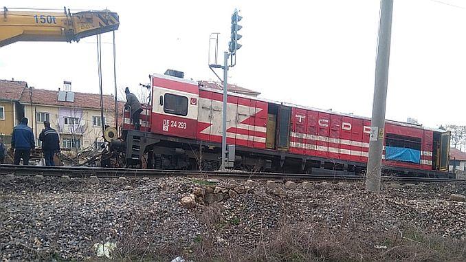 Malatyada локомотив сошел с рельсов cikti