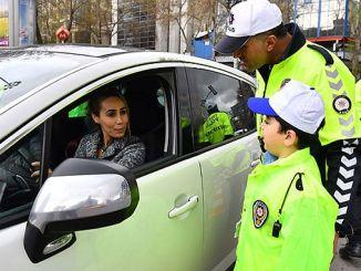 pequeños policías de tráfico