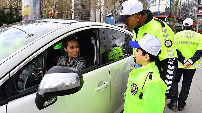 kleine Verkehrspolizisten