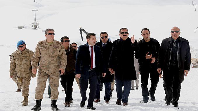राज्यपाल akbik मर्गा ब्यूटेन स्की रिसॉर्ट का दौरा करते हैं