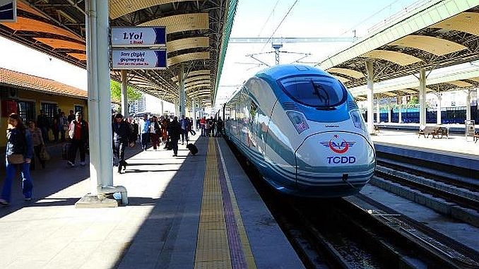 Существует высокий спрос на скоростные поезда.