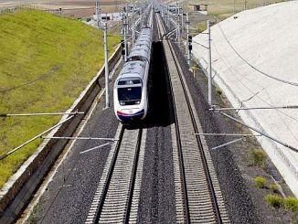 милиарди лири, изразходвани за инвестиции в електрификация на железопътния транспорт годишно