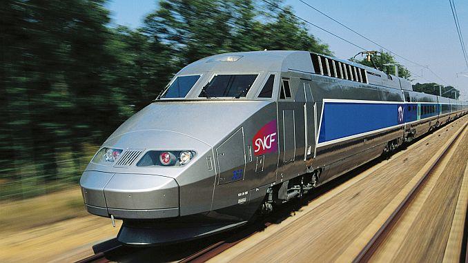 Air Francei скорый поезд Carpti