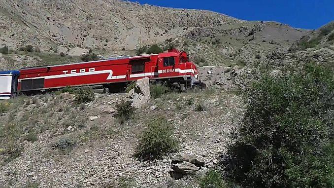 наводнения в Ерзинджан отмениха влаковете