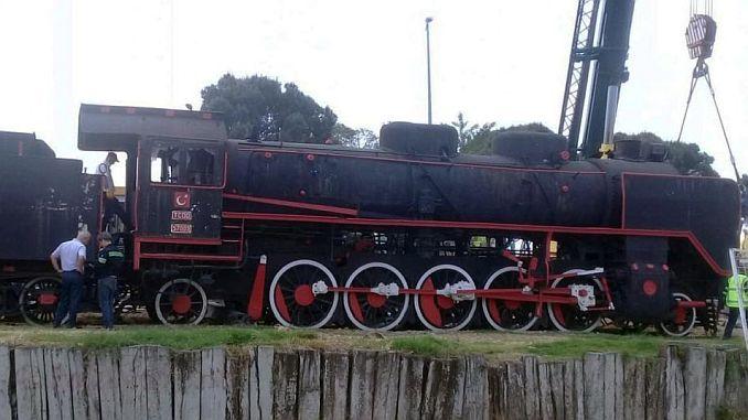 mujde steam locomotive balikesire freezes back