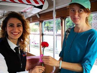 overraskelse for mødre i den nostalgiske sporvogn