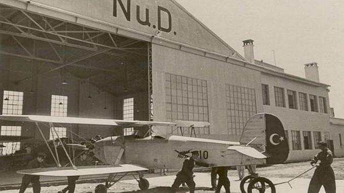 nuri demirag и първият национален турчин летял в Истанбул