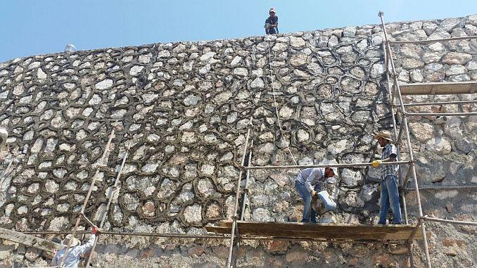 πέτρινο τοίχο