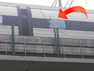 ankara istanbul yht hattinda kopan kablo trenin yan tarafini yakti