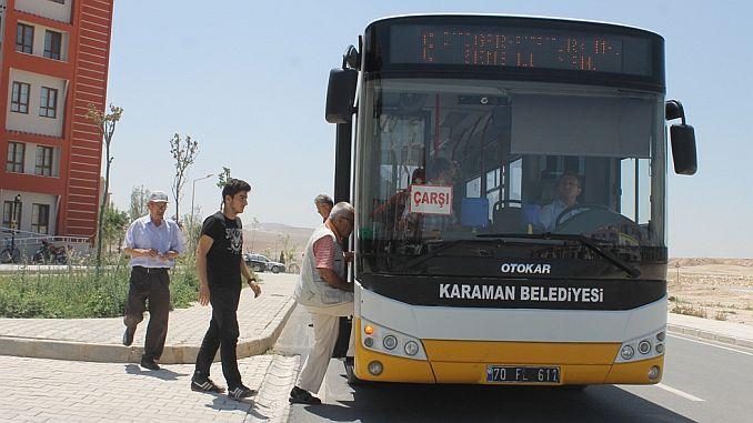 Die Busverbindung für Schüler, die die Schule betreten, wurde erhöht