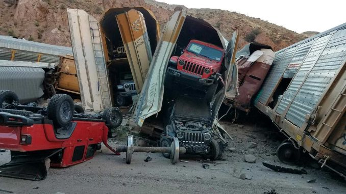 usa luxury pick up train carrying derailed