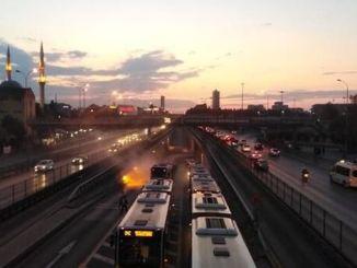 jægere metrobus køretøjer brand output fly afbrudt
