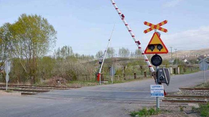 لا يمكن أن تلاحظ القطار أثناء التحدث على الهاتف