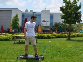 studentica je izradila vlastiti električni skateboard