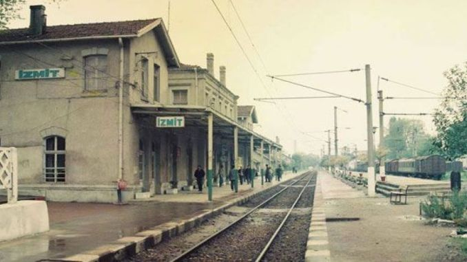 Haydarpasa ရထားလမ်း izmit