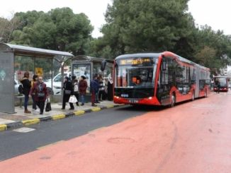 Autobusët Manisada Electric dhe Red