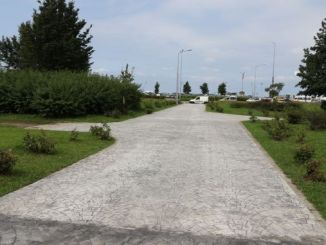 concrete work on pedestrian roads providing access to the coast in Rize