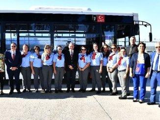 Πρόεδρος Soyer το πρόσωπό σας στο λεωφορείο Γυναικών Sofor