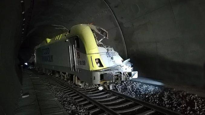 Bilecikte Mașinistul de accident de tren a pierdut viața