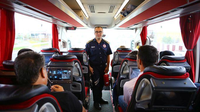सागरी अग्निशमन विभागाकडून बसमधील प्रवाशांना आग आणि अपघाताचा इशारा