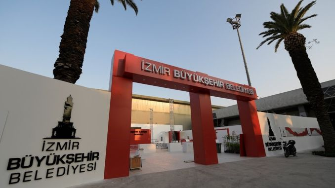 aftelling begin by die internasionale beurs in Izmir