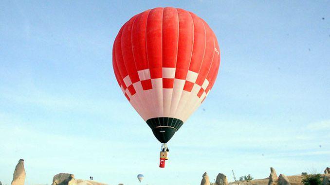 primeiro globo de aire quente do fogar de Turquía