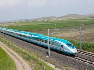 أضنة غازي عنتاب أعمال بناء السكك الحديدية السريعة قيد التقدم