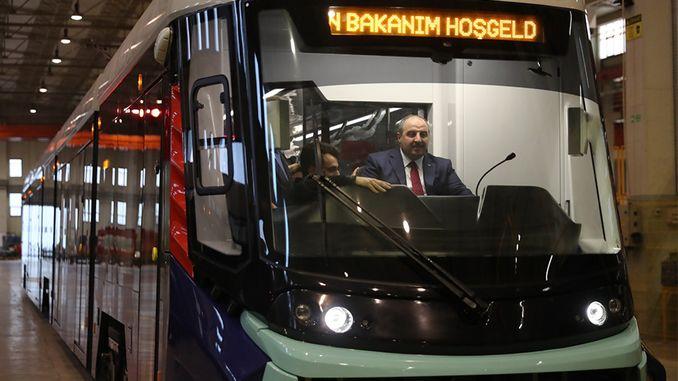 varank inländische Straßenbahn mit Blick auf die patriotische Kabine