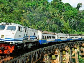 Ο σιδηροδρομικός σταθμός Τζακάρτα Σρουμπάγια υλοποιείται