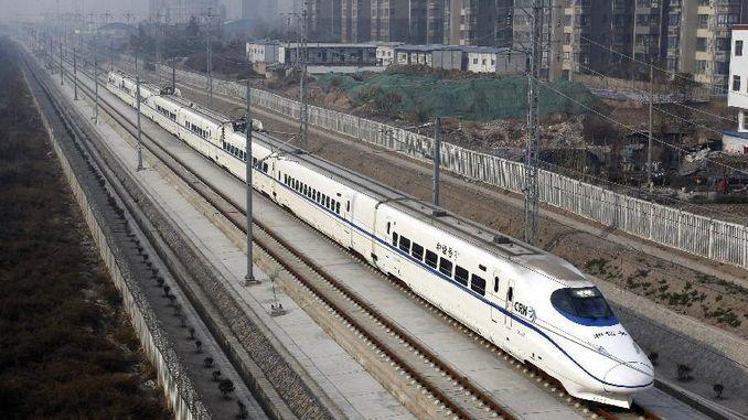 testi i bilancit me monedha në trenin më të shpejtë në botë