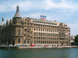Haydarpasa solidaritat Haydarpasa and Sirkeci station sobre la descripció
