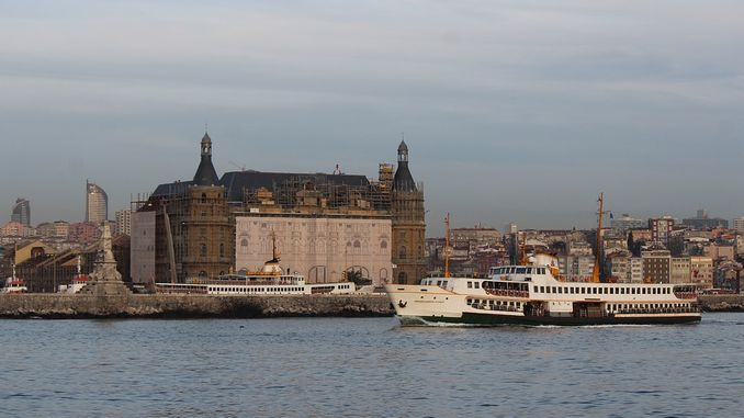 Who participated in the tender of haydarpasa and sirkeci gari