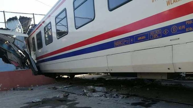 passenger train in izmir
