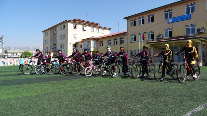 הכשרה של סטודנטים לרכיבה על אופניים