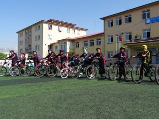training of students in cycling