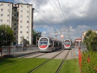 Tram Gare Turnstile Annoncierumm Zender krut d'Firma