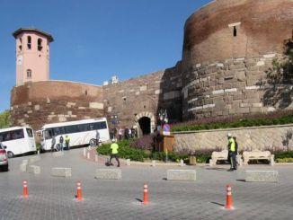 toques estéticos ao castelo de Ankara e os seus arredores