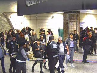 itu ayazaga地下鉄駅は救急車で病院に運ばれた
