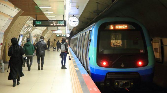 metro istanbul medarbejder bragte handicappede passagerer med sin far