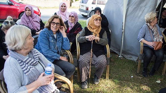 ropeway modstand fra kvinder med slynge